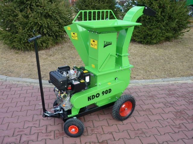 Мощный садовый измельчитель с дизельным двигателем