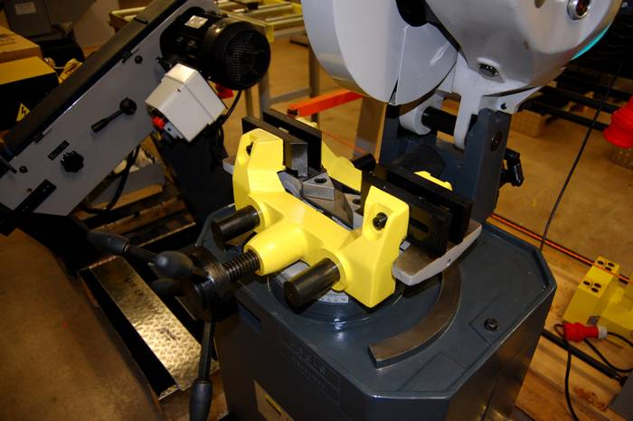 Цистерны на 200 и больше литров предназначены для стационарных установок в производственных цехах