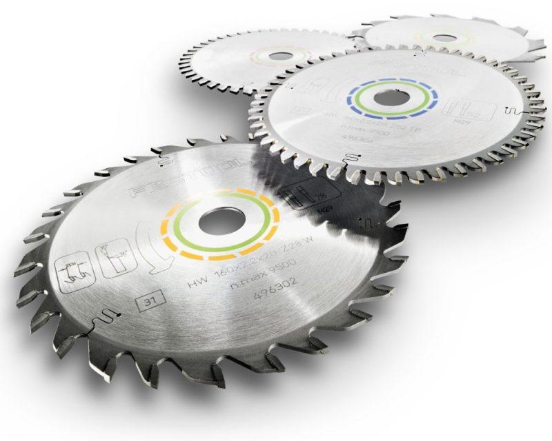 Маркировка дисков включает данные о его диаметре и размере посадочного гнезда