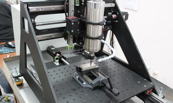 Описание настольного фрезерного оборудования с ЧПУ