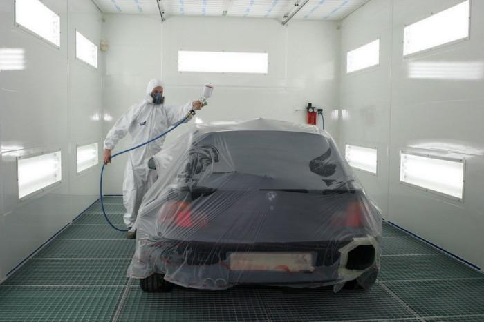 Для идеальной покраски автомобиля нужно окрасочно-сушильная камера
