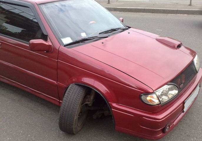 Поломка шаровой опоры и выворот колеса на ВАЗ