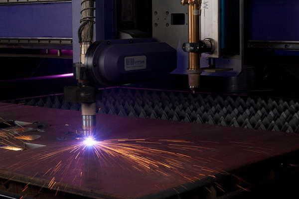 Промышленная плазменная резка металла