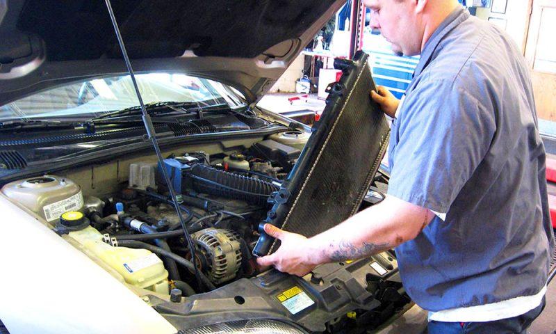 Ремонт радиатора машины