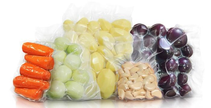 Вакуумизация продуктов значительно увеличивает срок годности