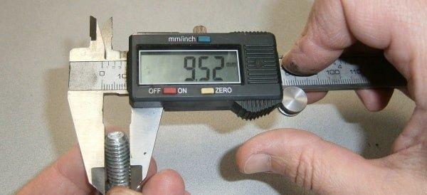 Измерение диаметра резьбы (D)